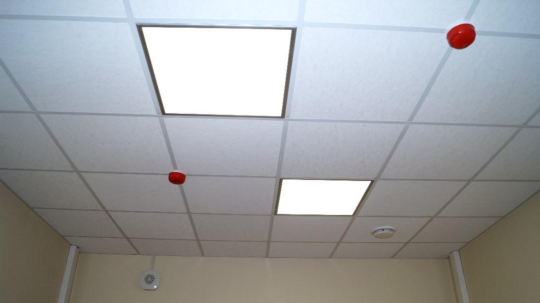 Монтаж светильников в промышленных и коммерческих помещениях